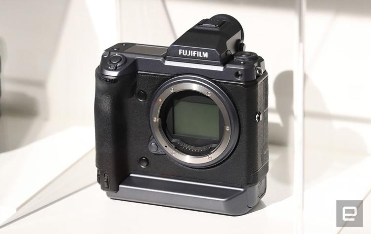 """Fujifilm разрабатывает 100-мегапиксельный фотоаппарат"""""""