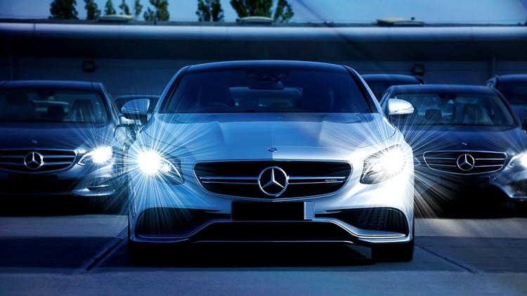 """Автомобили Mercedes будут сами находить парковки, с которых их не угонят"""""""