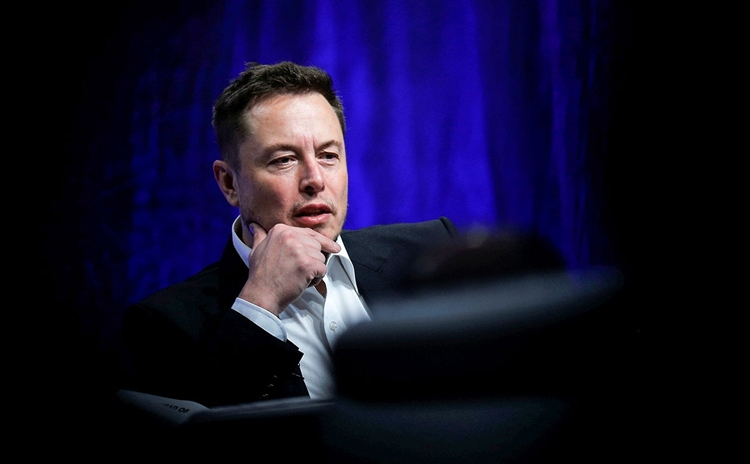 "Акции Tesla рухнули на фоне подозрения Илона Маска в мошенничестве"""