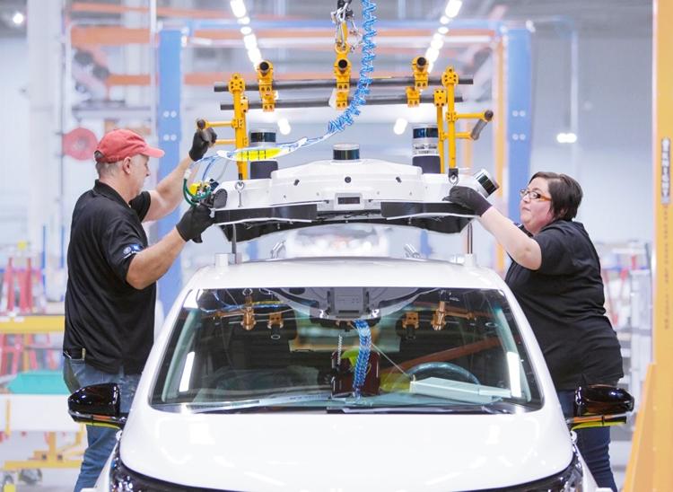 """General Motors и Honda сообща займутся созданием робомобилей"""""""