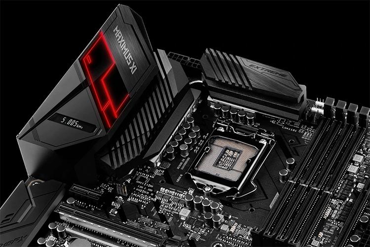 Индикатор частоты CPU встроен в кожух панели ввода-вывода