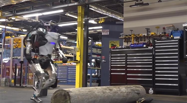"""Видео дня: робот Boston Dynamics Atlas демонстрирует навыки «паркура»"""""""