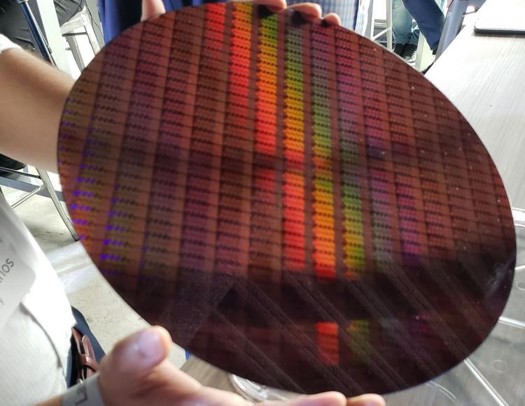 Новые официальные тесты Core i9-9900K: отрыв от Ryzen 7 2700X оказался не так велик