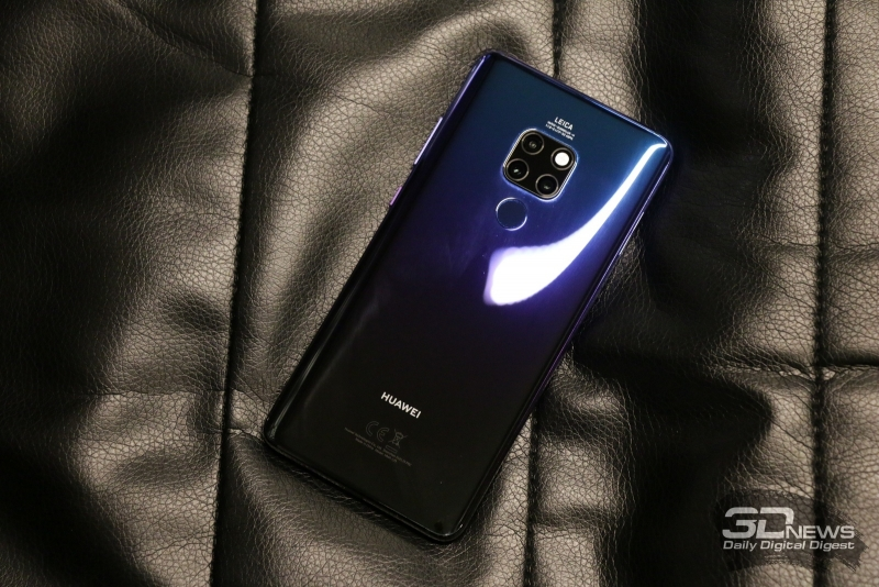 Полуночно-синий вариант Huawei Mate 20