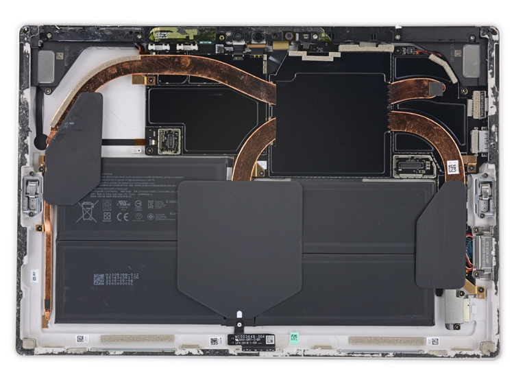 """Вскрытие Microsoft Surface Pro 6: планшет ремонту не подлежит"""""""