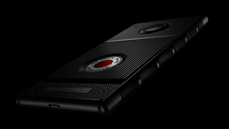 "Фото: инфографика с подробностями о смартфоне RED Hydrogen One"""