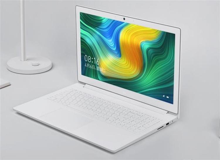 """Белоснежный лэптоп Xiaomi Mi Notebook с экраном 15,6"""" поступил в продажу"""""""