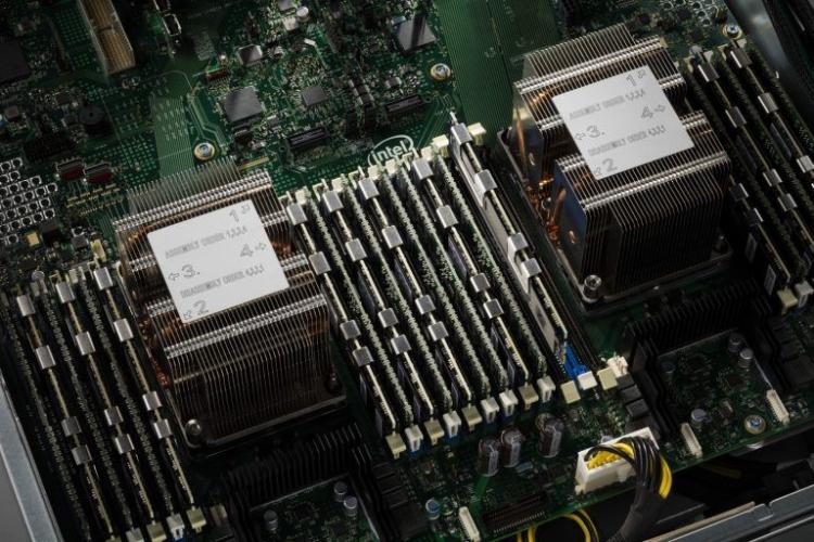 Сервер на базе процессоров Cascade Lake. Фото сайта ServeTheHome