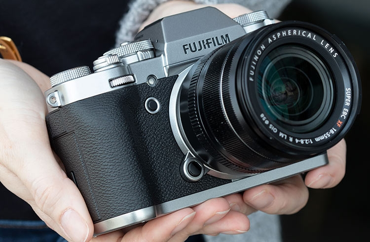 """Fujifilm: мы никогда не выпустим полнокадровую камеру"""""""