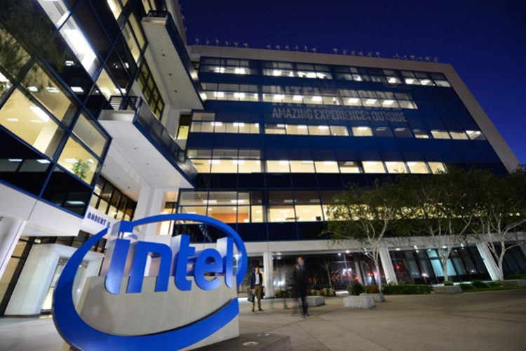 В прошлом квартале Intel получила рекордный заработок