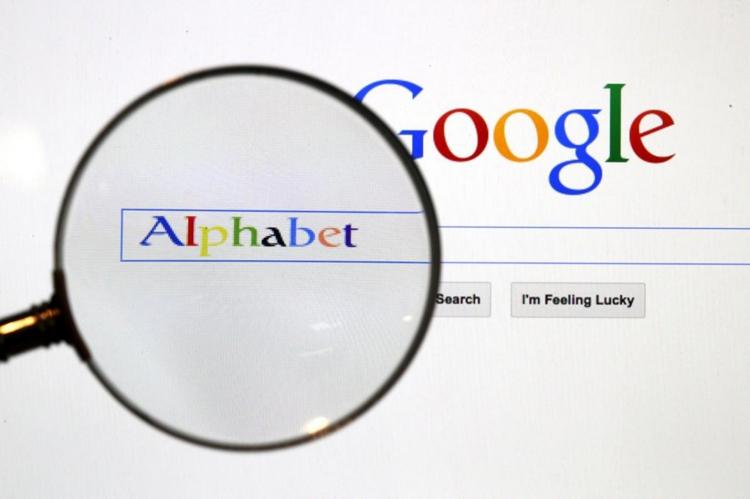 """Квартальная прибыль холдинга Alphabet выросла почти в полтора раза"""""""