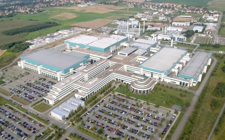 Заводской комплекс GlobalFoundries в Дрездене, где китайцы обучаются проектированию с использованием техпроцесса 22FDX (бывший завод AMD)