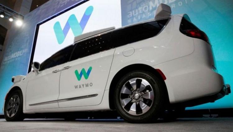"""Waymo первой в Калифорнии получила разрешение на тестирование самоуправляемых автомобилей без водителя"""""""