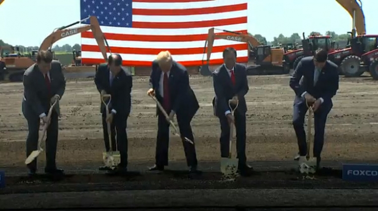 """Foxconn намерена задействовать на заводе в Висконсине местную рабочую силу"""""""