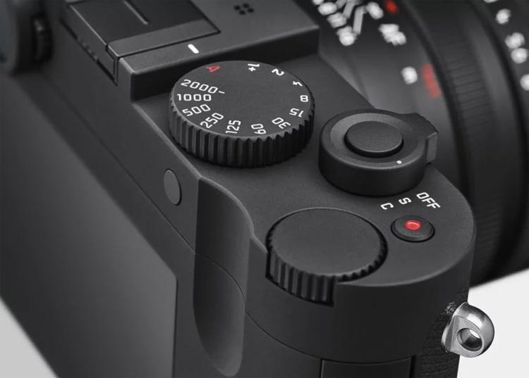 "Leica Q-P: фотокамера за $5000 с сенсорным дисплеем и Wi-Fi"""