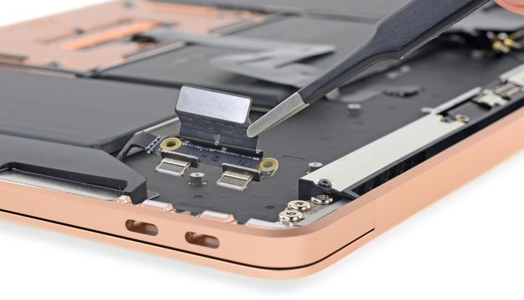 """Что скрывает MacBook Air: новый ноутбук Apple препарирован"""""""