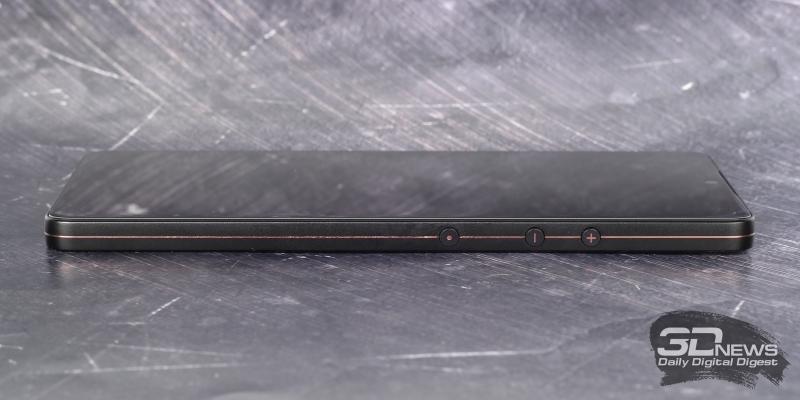 Smartisan U3 Pro, правая грань: клавиши регулировки громкости/спуска затвора камеры и кнопка включения