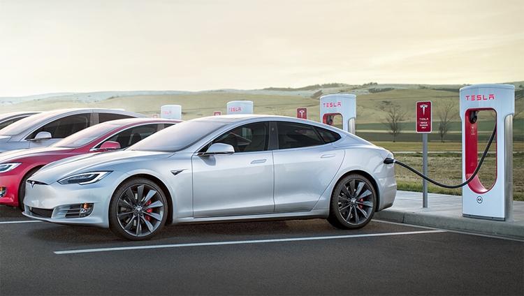 """Tesla планирует масштабное расширение инфраструктуры станций Supercharger"""""""