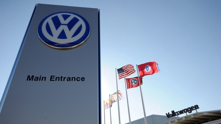 "Volkswagen урегулировала с Broadcom патентный спор на более $1 млрд"""