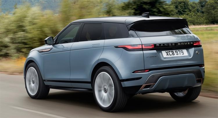 """Новый Range Rover Evoque стал первым автомобилем с технологией «прозрачного капота»"""""""