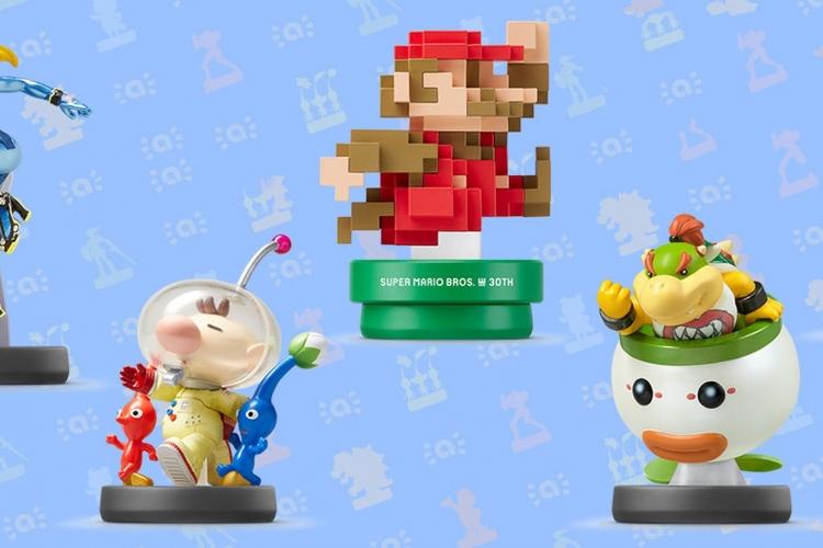 Выпущенная в сентябре 2015 года фигурка Amiibo с пиксельным Марио