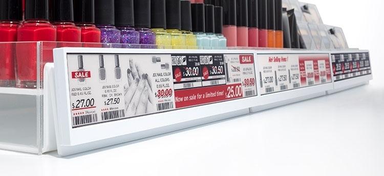 Пример использования электронных ценников на «широких» 30-см экранах E Ink (Japan Display Inc)