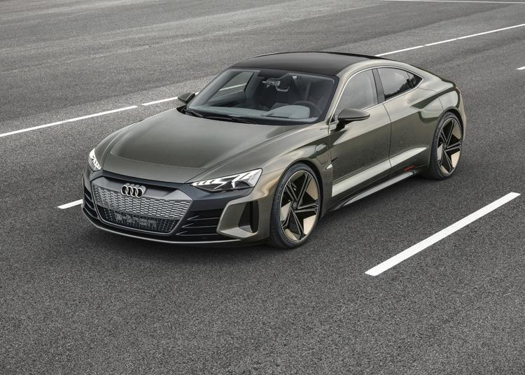 Audi E Tron Gt электрический спорткар с запасом хода более 400 км