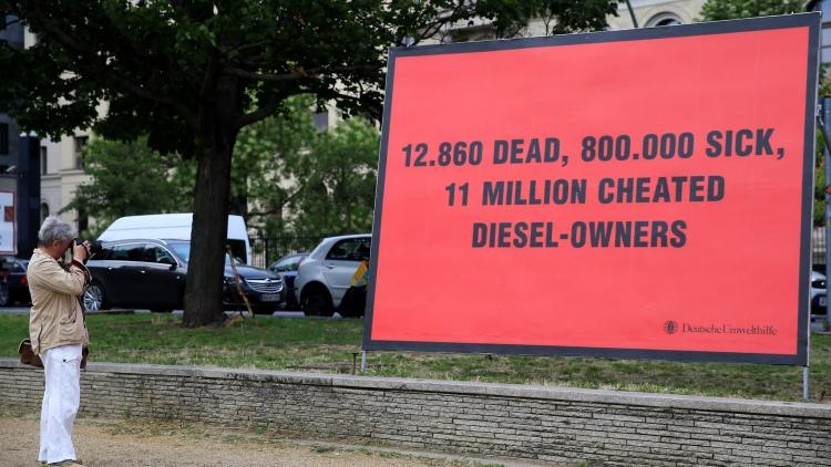 """Toyota обвинили в поддержке запрета на дизельные автомобили в своих целях"""""""
