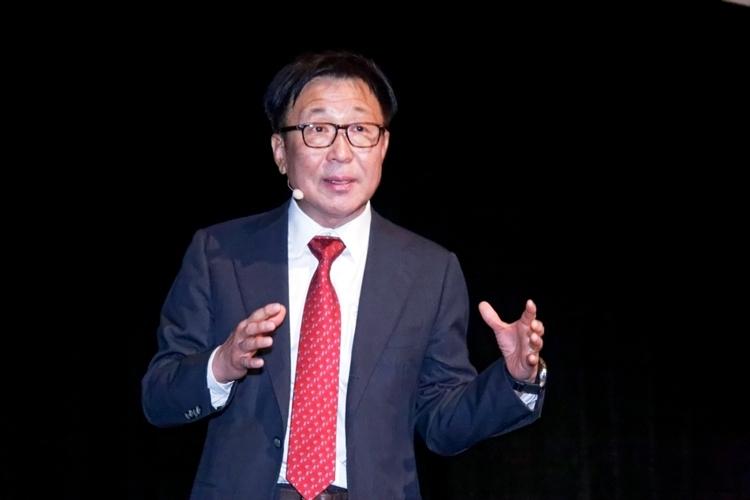 Глава контрактного полупроводникового производства Samsung д-р Юнг (Dr. ES Jung)