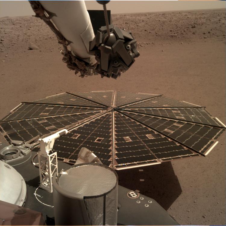 "Зонд InSight записал шум ветра на Марсе"""