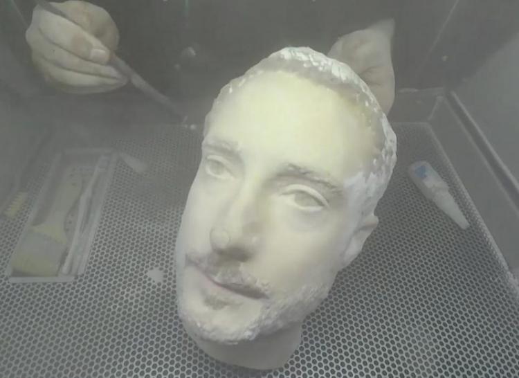 3D-муляжом головы удалось одурачить системы распознавания по лицу Android-смартфонов, но не iPhone X