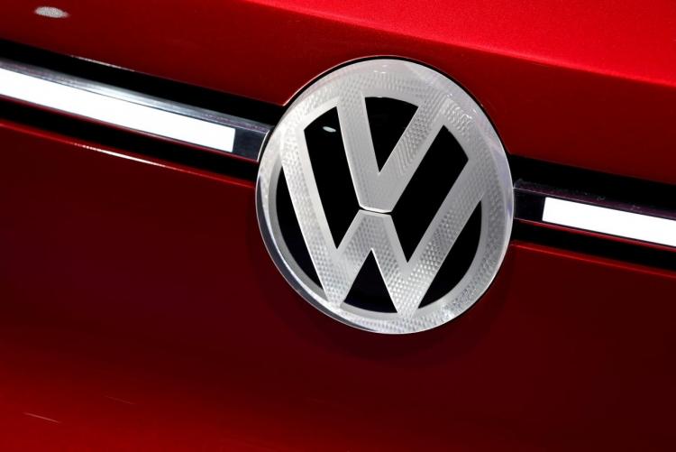 """Volkswagen ускорит переход на выпуск электромобилей из-за политики ЕС"""""""