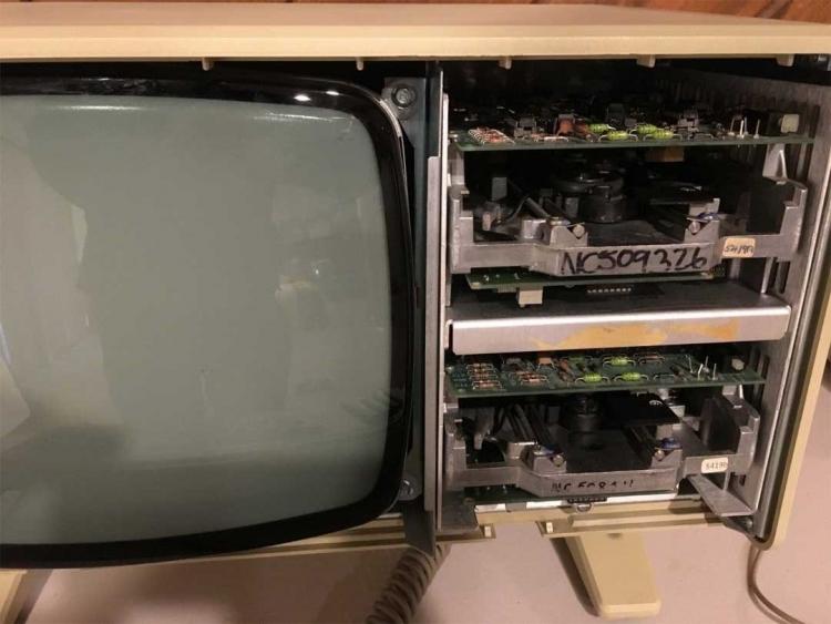 """На eBay предлагают полностью функциональный компьютер Apple Lisa 1 за $65 000"""""""