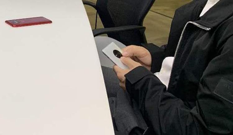 """Чем собирается удивить OnePlus: на фото показался загадочный смартфон"""""""