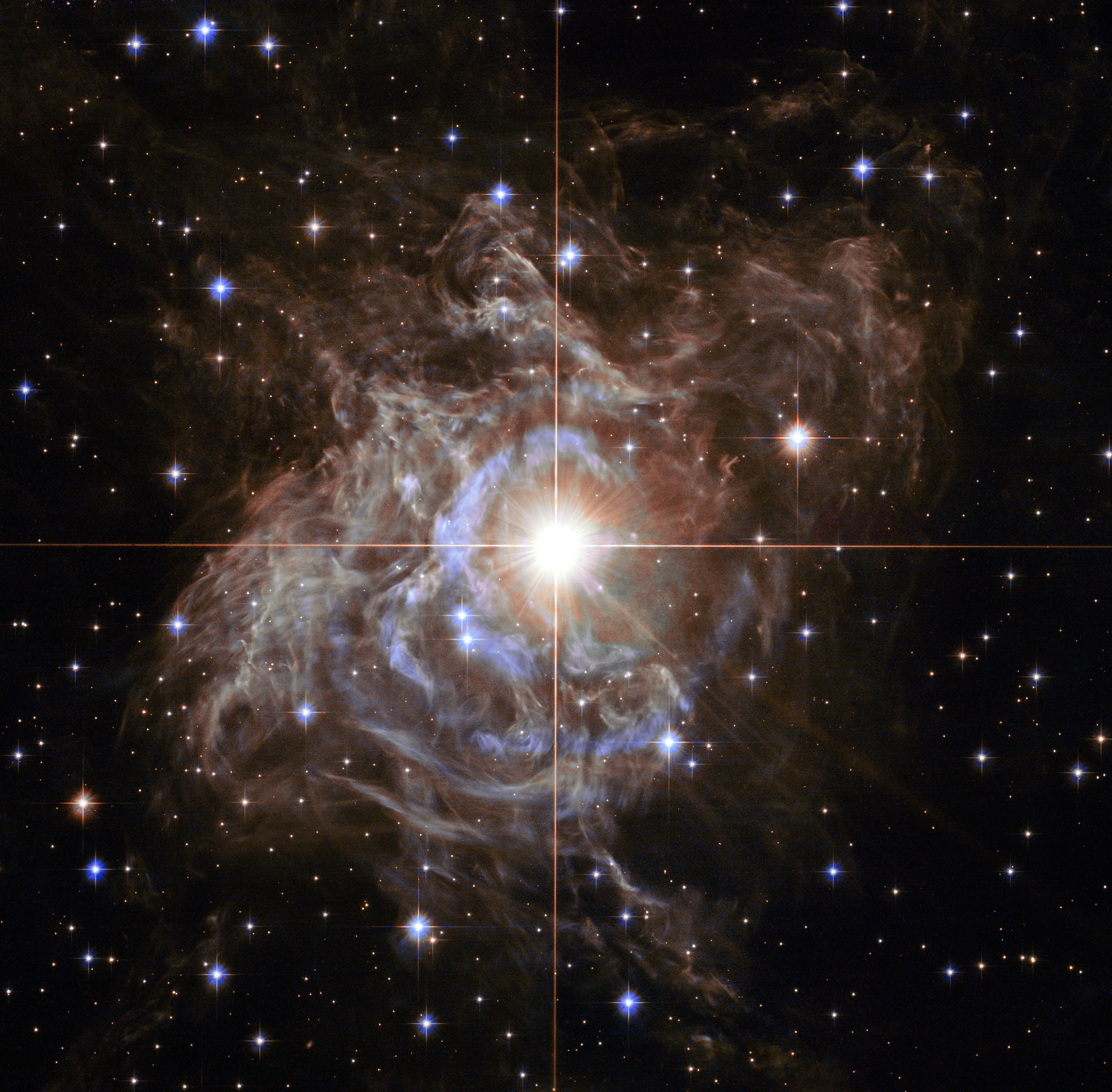 «Хаббл» сфотографировал космический «рождественский венок»