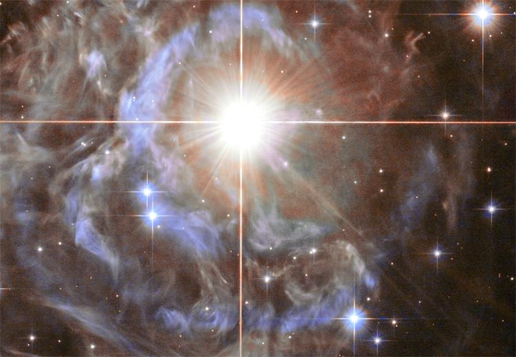 """Фото дня: венценосная переменная звезда"""""""