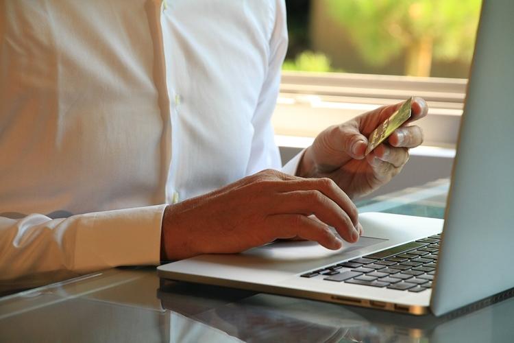 """Четверть веб-пользователей в РФ сталкивались с киберинцидентами во время цифровых платежей"""""""