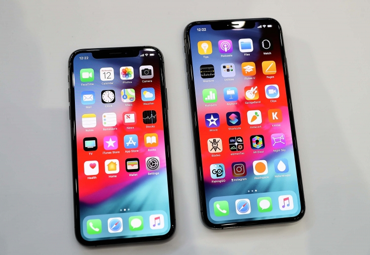 """Установка iOS 12.1.2 может привести к выходу из строя сотовой связи на iPhone"""""""