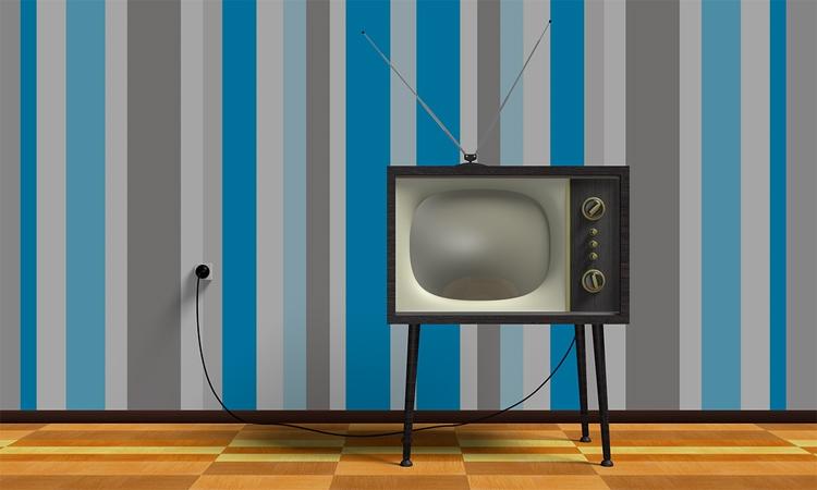 """Отключение аналогового телевещания в России отложено на год"""""""