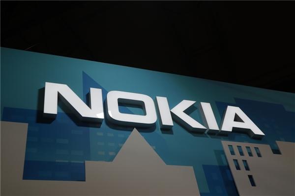 """Загадочный смартфон Nokia с тройной камерой показал лицо"""""""