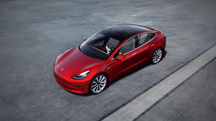 """Акции Tesla упали на 7,6 % после снижения цен в Китае и обещания возместить налоговые льготы"""""""