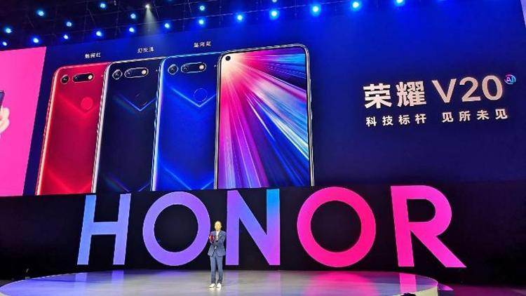 Huawei обновила рекорд продаж смартфонов в этом году - NewRetail