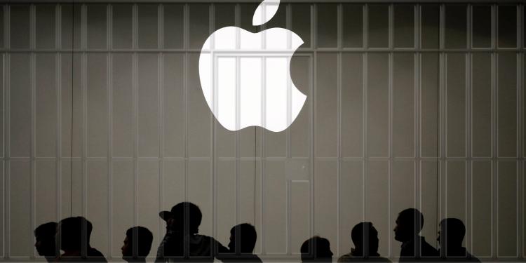 """Адвокатов Apple могут арестовать в Китае из-за невыполнения запрета на продажу iPhone"""""""
