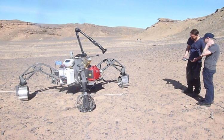 """Британские учёные протестировали марсоход Sherpa с ИИ, способный перемещаться до километра в день"""""""