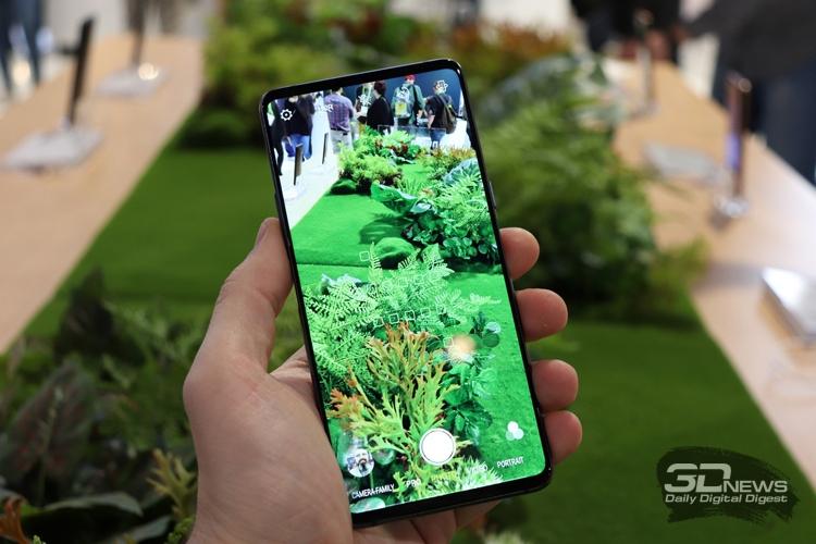 """CES 2019: Смартфон с двумя дисплеями Nubia X"""""""