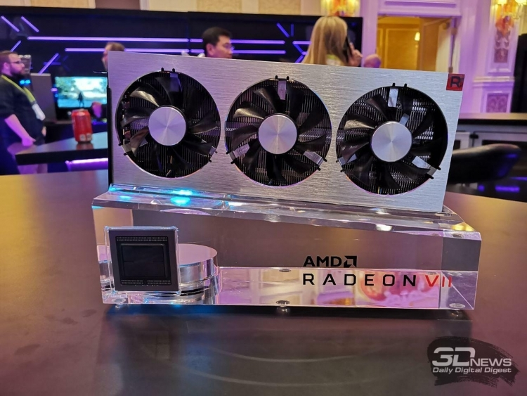 AMD представила флагманскую видеокарту Radeon VII
