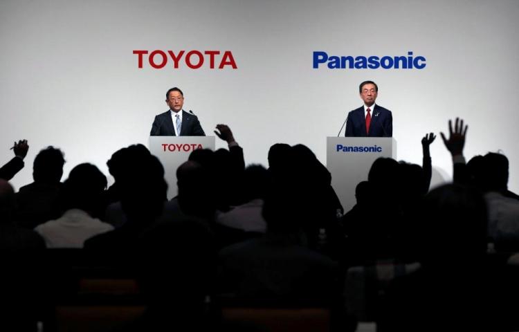 """Toyota и Panasonic объявили о запуске в 2020 году совместного предприятие по производству батарей для электромобилей"""""""