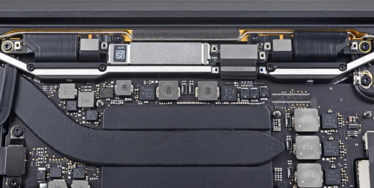 """Проблема со шлейфами экрана дорого обходится владельцам MacBook Pro"""""""