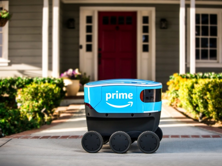 """Amazon начала тестирование в Вашингтоне автономного робота Scout для доставки посылок"""""""