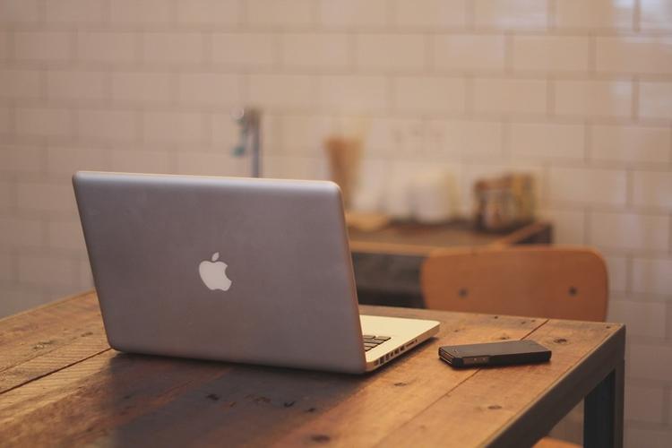 """Спрос на ноутбуки Apple в России подскочил в полтора раза"""""""
